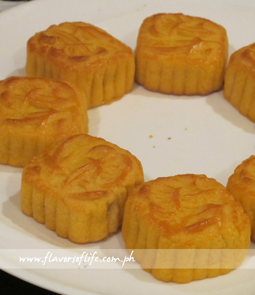 The Shang Palace's Pineapple Cakes are made from fresh local pineapples and not ordinary pineapple jam
