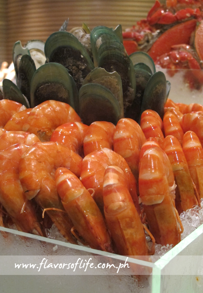 Cooked seafood on ice at Marriott Hotel Manila's Marriott Cafe