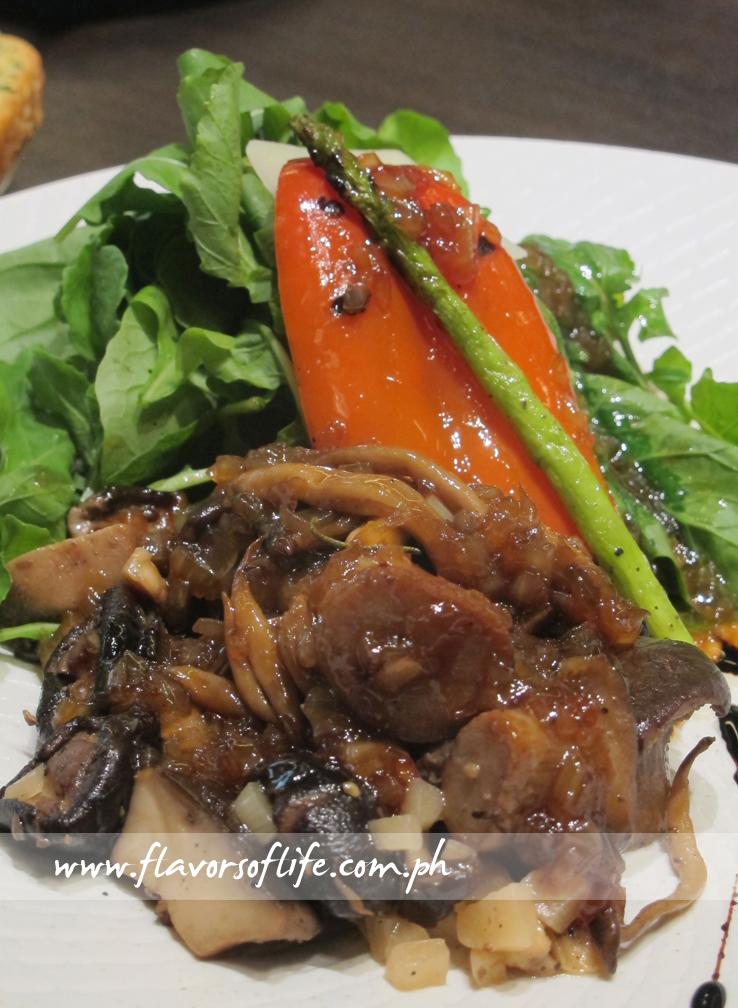 Tutto Mushroom Salad (Php665)