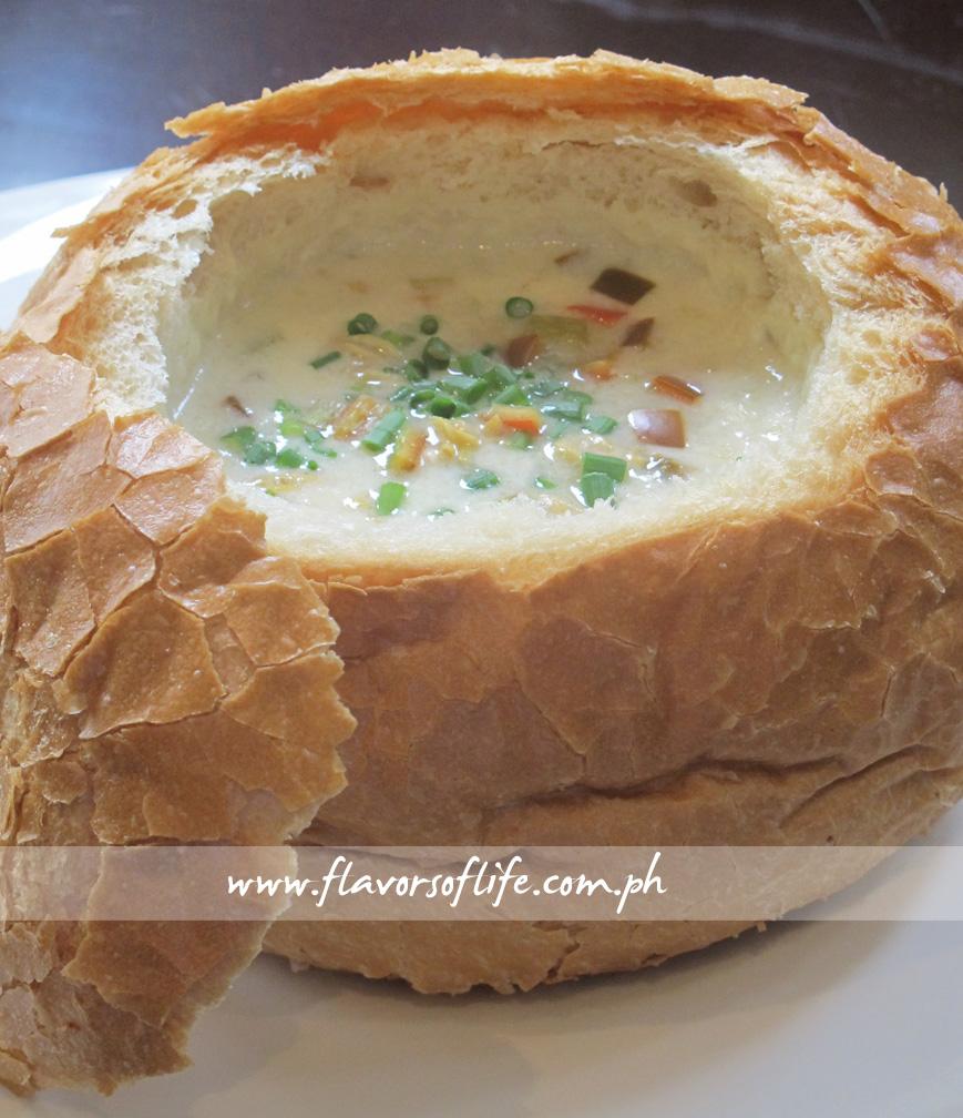 Pier 21 (Creamy Clam Chowder in Bread Bowl)