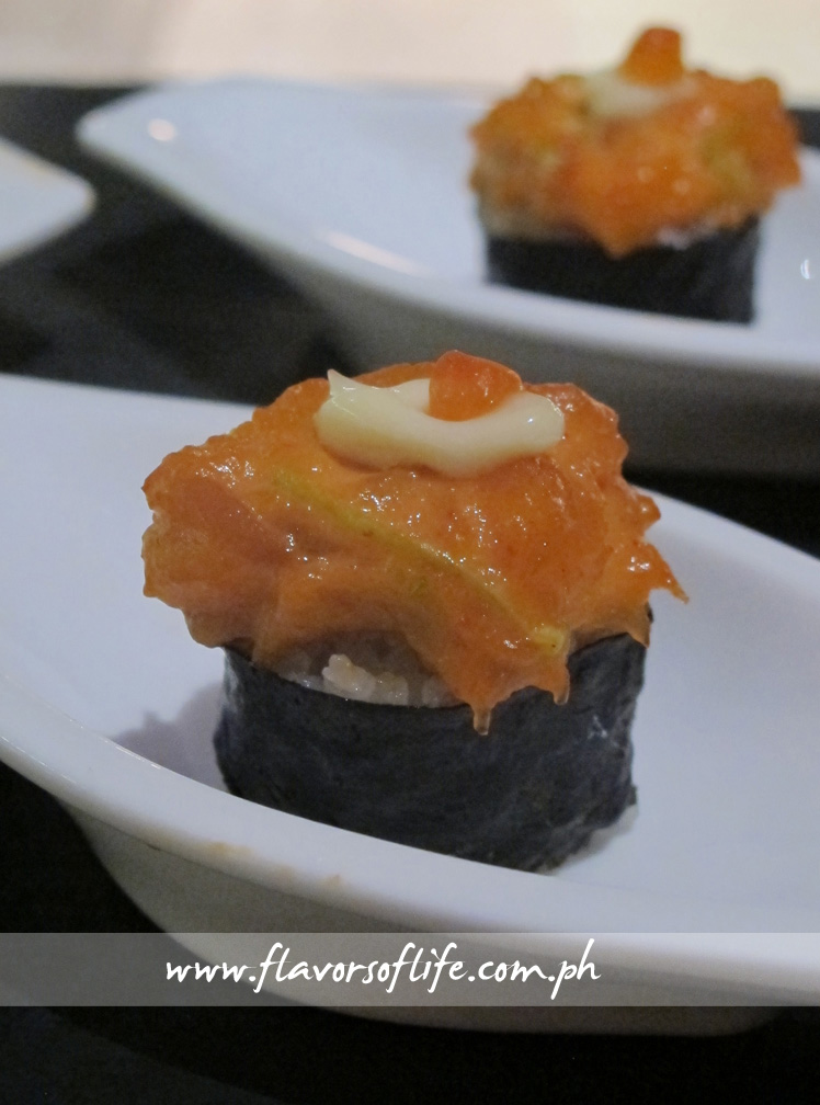 Sweet and Spicy Muzubi (Sweet and Spicy Salmon Tartar Sushi Canapé)
