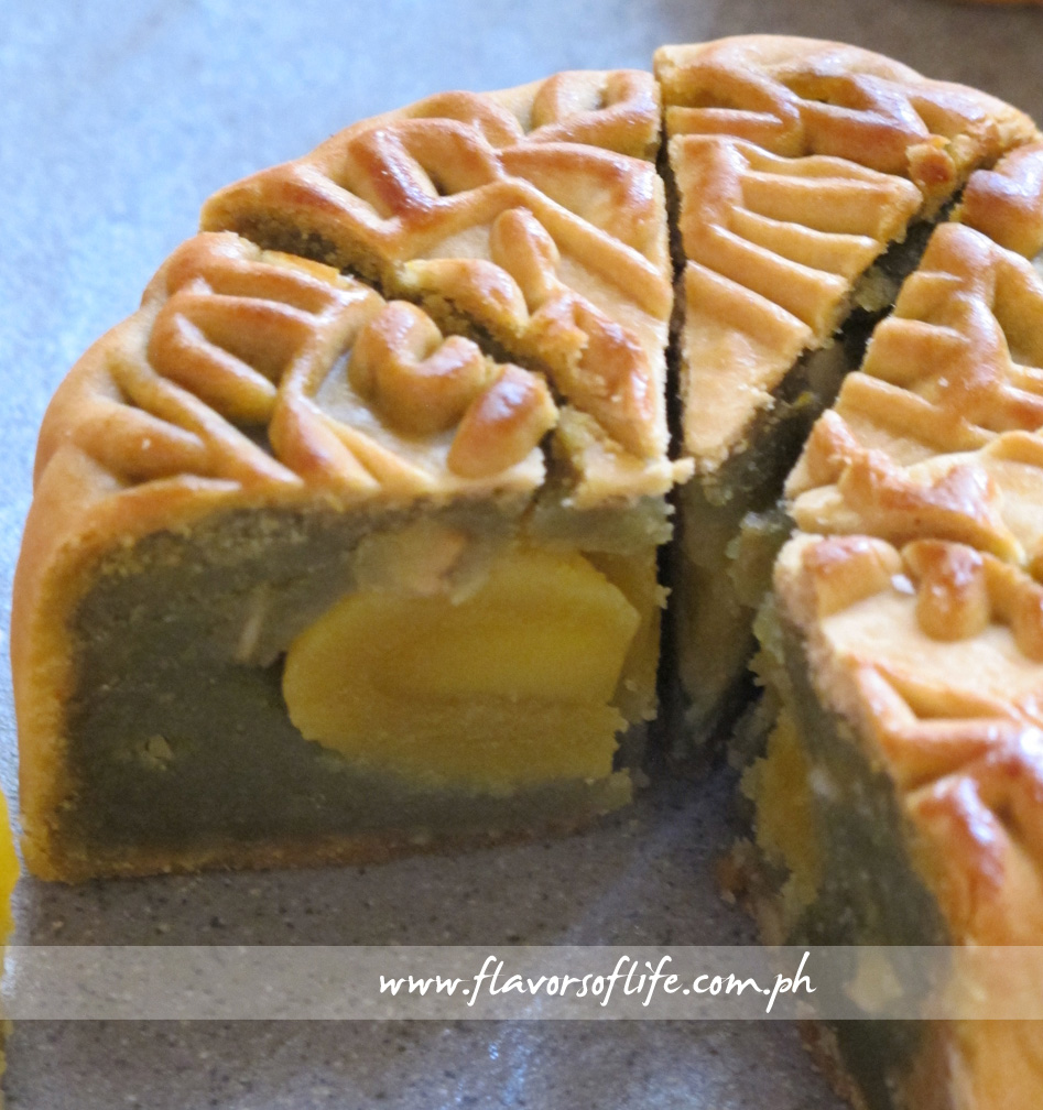 Prime Oven Baked - Green Tea Flavor Lotus Paste with Salted Egg Yolk