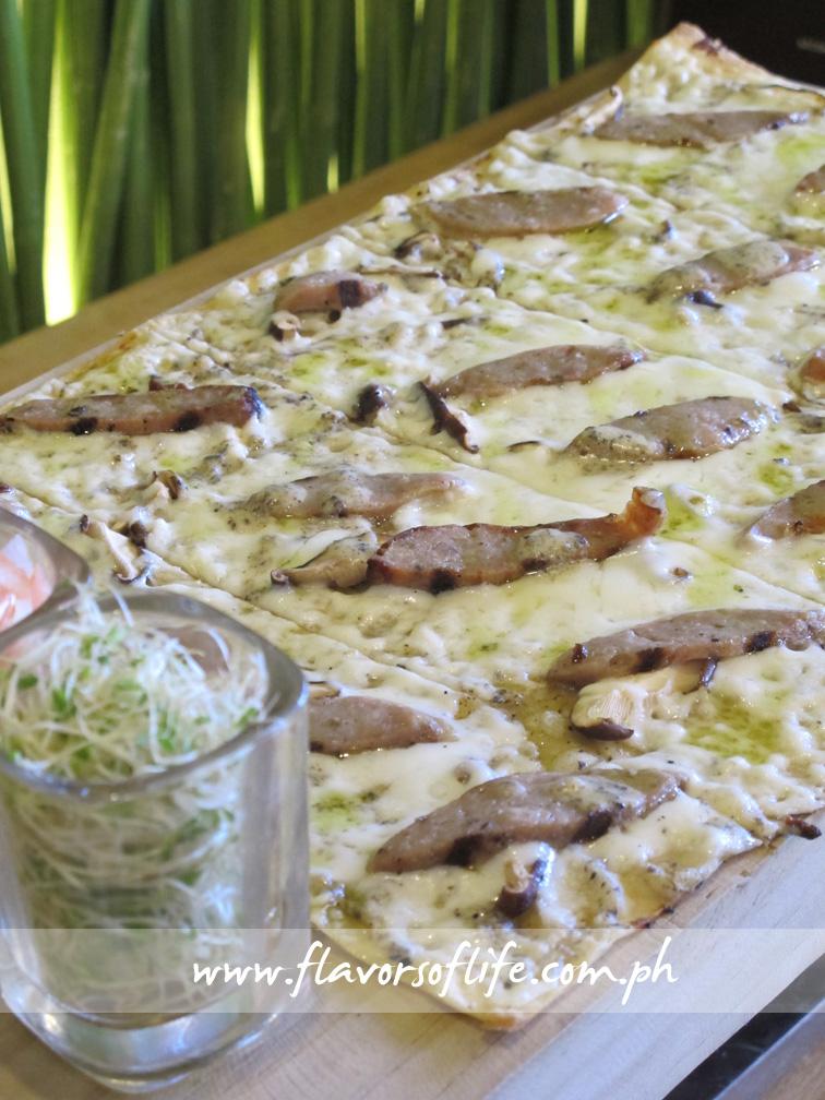 White Truffle Sausage Panizza (Torch)