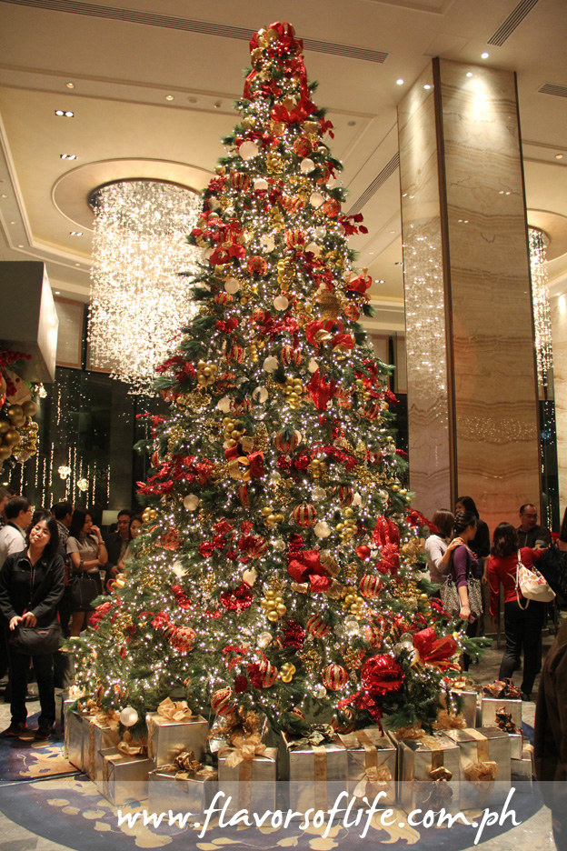 The grand 20-foot-high Christmas tree of Edsa Shangri-La Manila