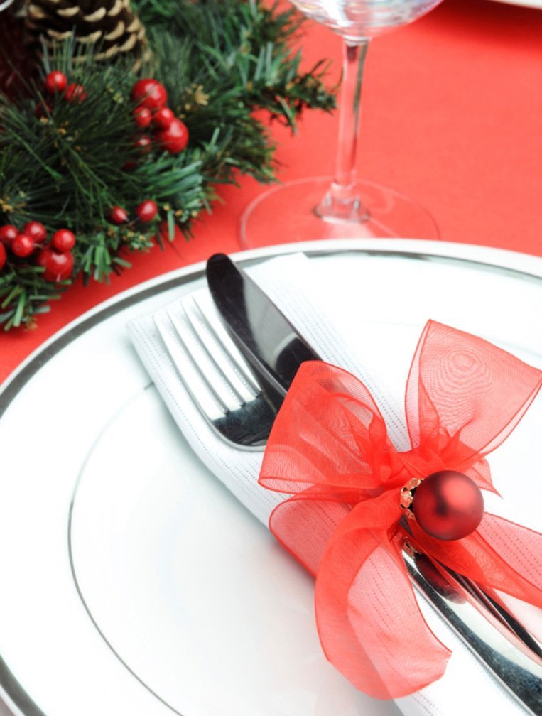 Richmonde Ortigas' festive red table-setting