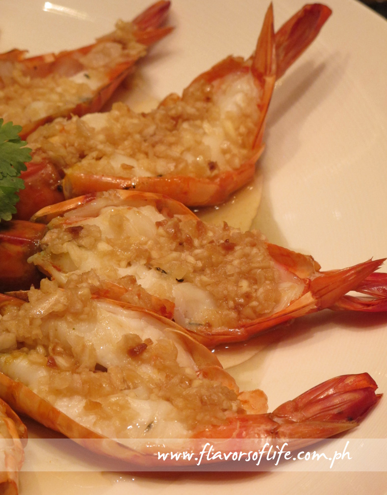 Steamed King Prawns with Fresh and Fried Garlic