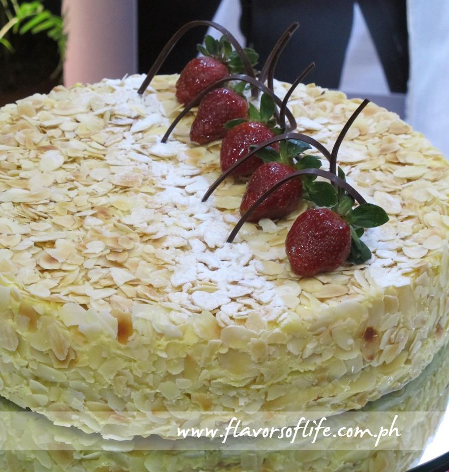 King Oscar Cake (The Peninsula Boutique)