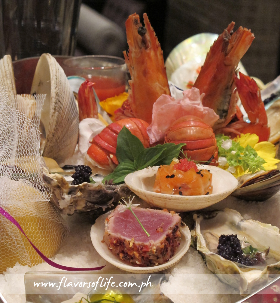Seafood Platter for 2 (Half dozen oysters with bourrache and cucumber, prawns, mussels, clams, tartare and caviar)