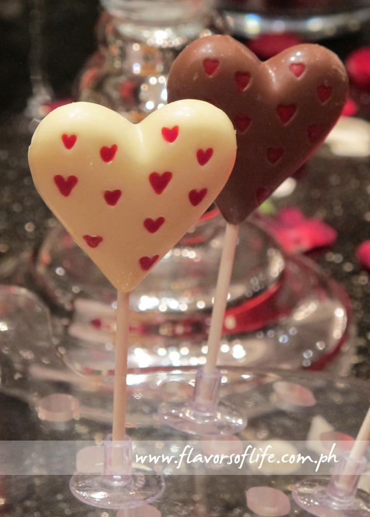 Heart-shaped Chocolate Lollipops