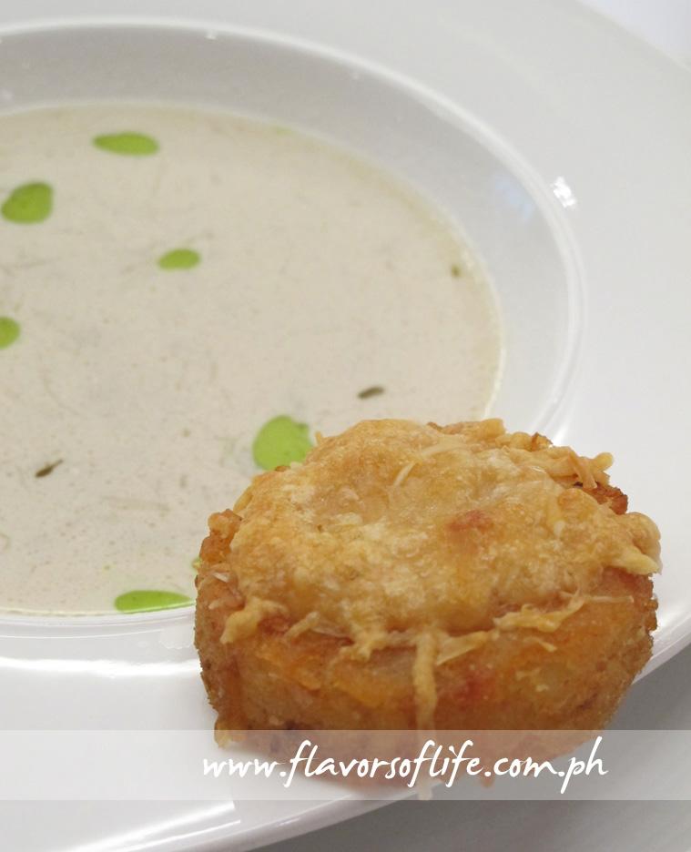 Garlic Onion Soup with Potato Crouton