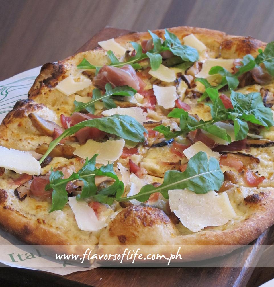 Truffle Mushroom Pizza (Italianni's)
