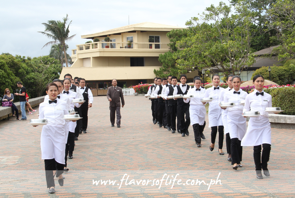 The parade of waiters