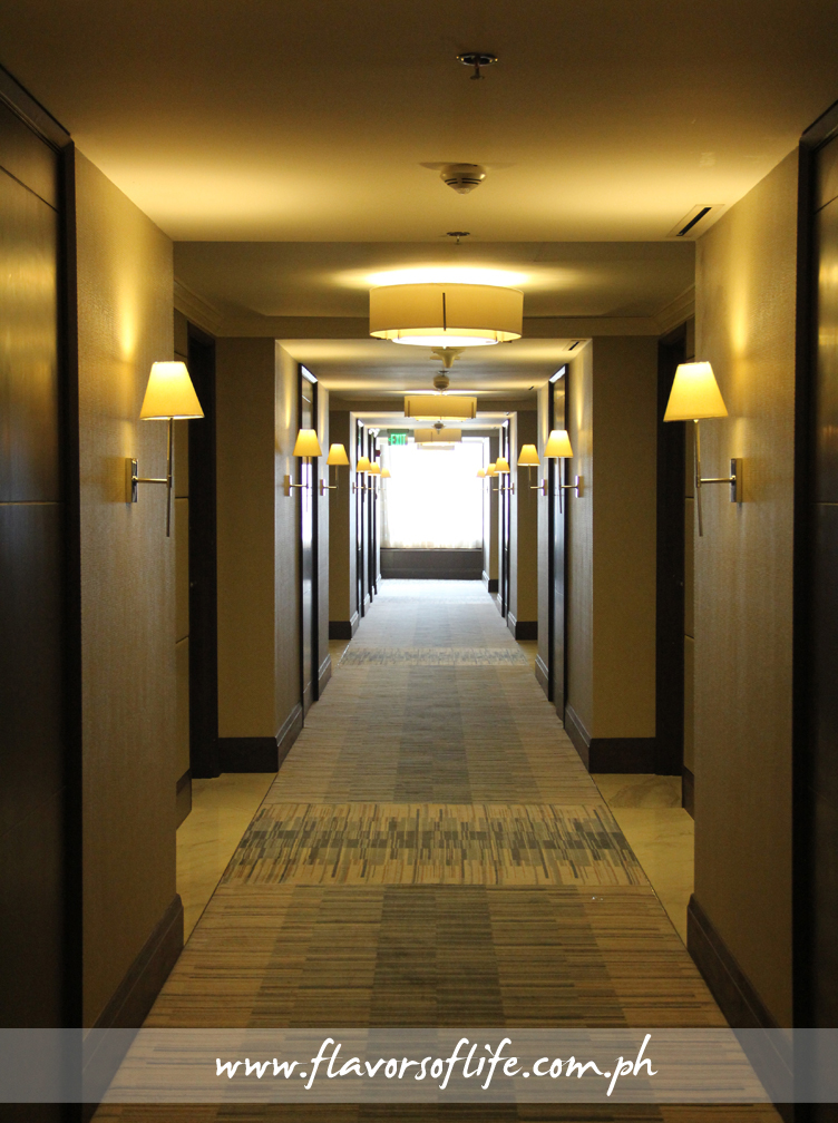A cozy corridor leads to the guestrooms on every floor