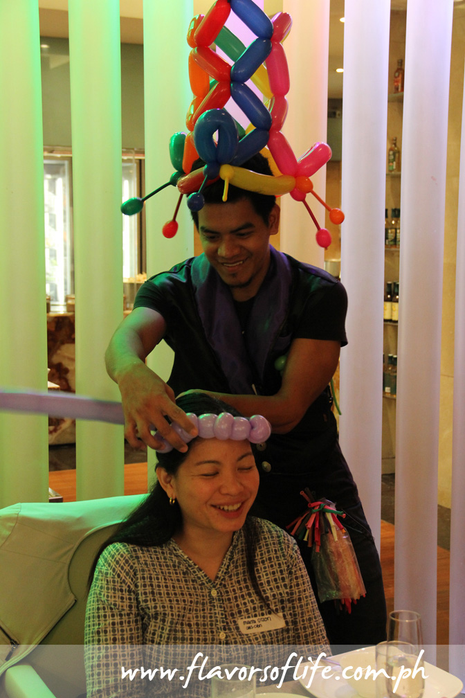 Balloon twisting is an added attraction of Marriott Hotel Manila's Sunday Brunch