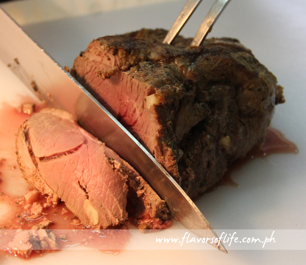 Roasted New Zealand Lamb Leg with Caramelized Garlic in Red Wine Shallot Sauce