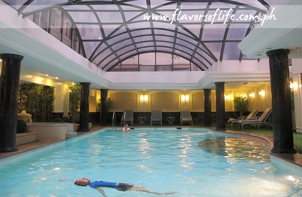 The indoor pool of The Richmonde Hotel Ortigas
