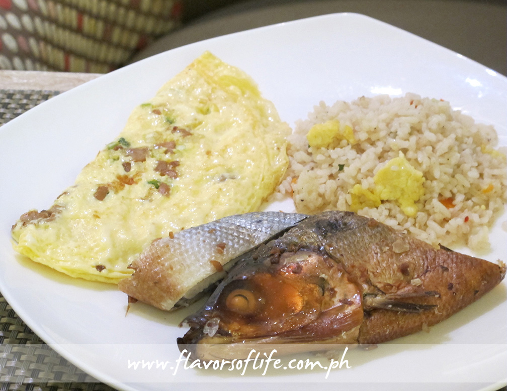 My breakfast platter of Tomato, Mushroom and Cheese Omelette with Smoked Milkfish and Vegetable Fried Rice
