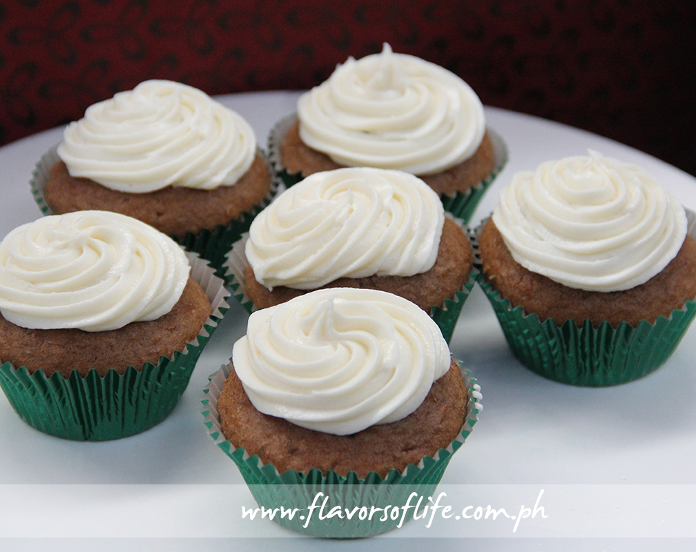 Cake Avenue Bakeshop's Carrot Cupcakes with Cream Cheese Frosting