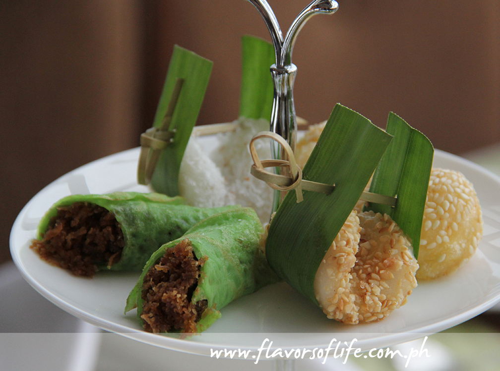 Palitaw, Pandan Crepe with Coconut, and Buchi on the top layer