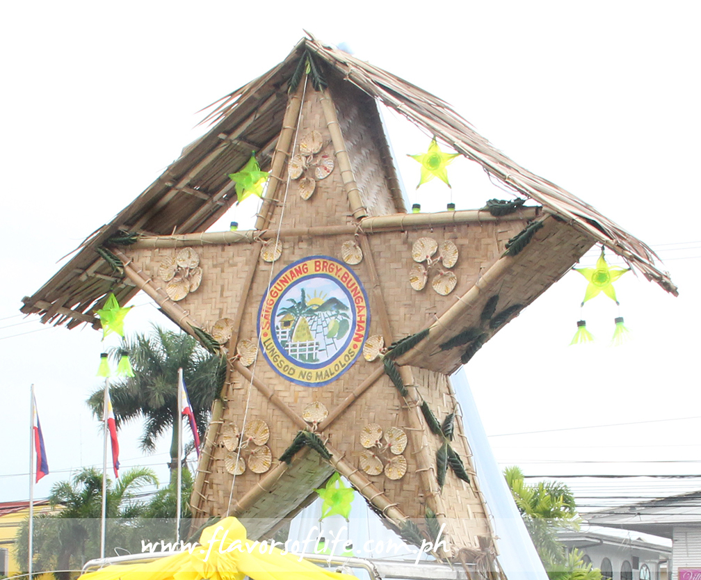Barangay Bungahan combined wooden materials for its parol and crowned it with a roof over its head