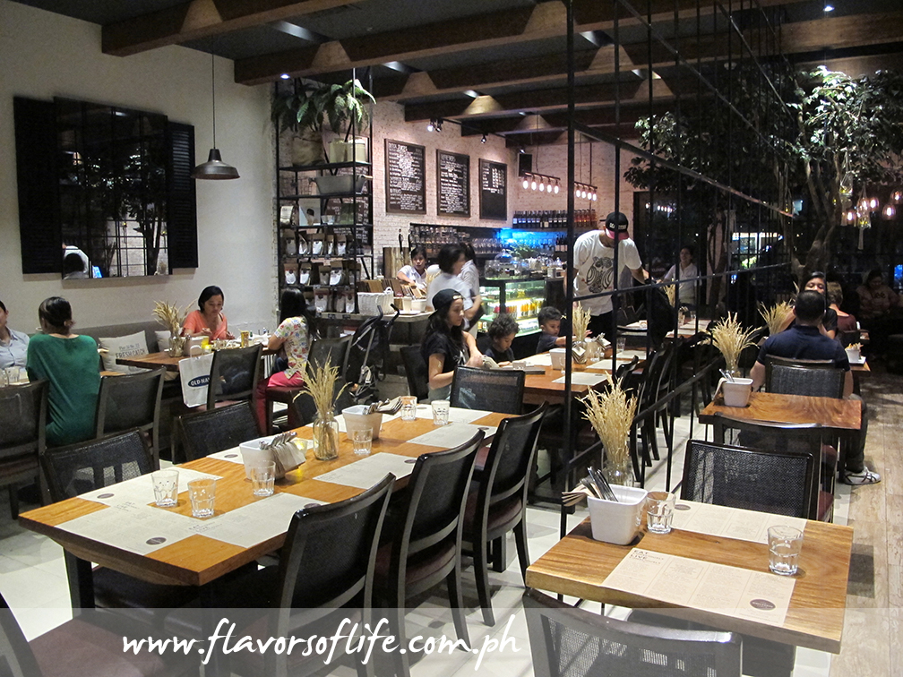 The Wholesome Table at Bonifacio High Street Central serves healthy dishes