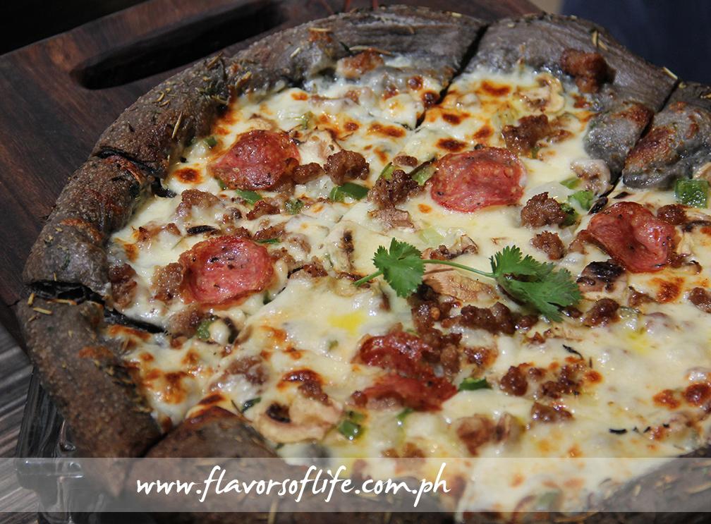 Black Pizza (Village Tavern)