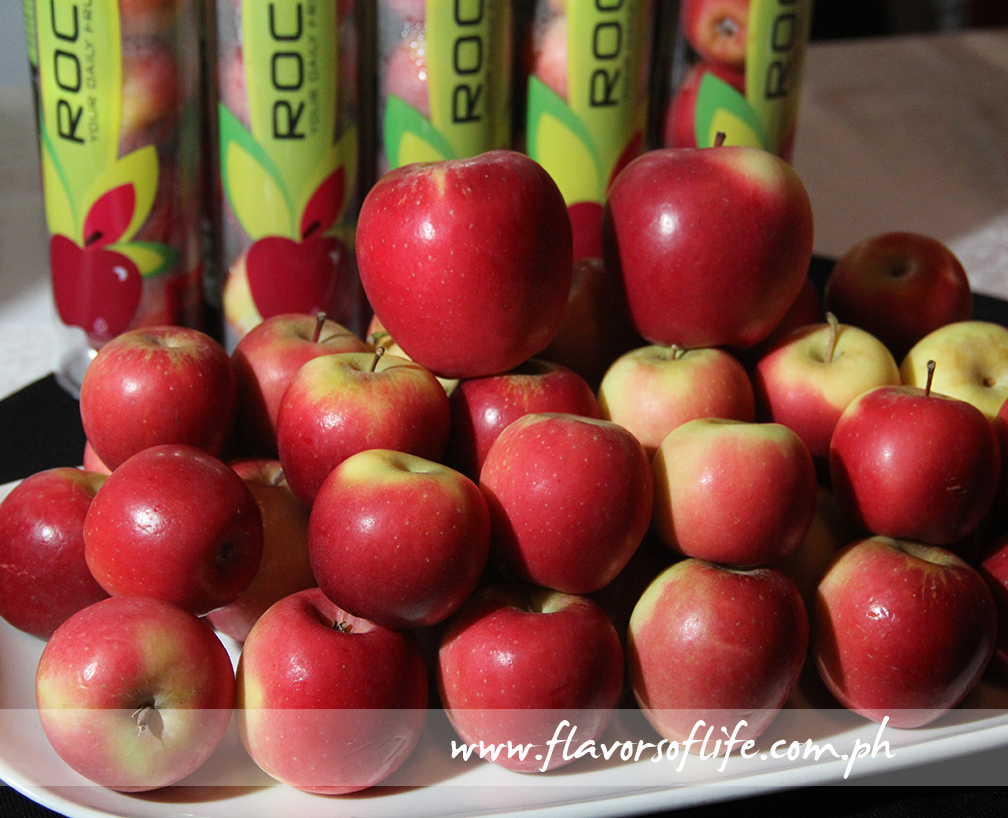 Rockit apples are characterized by a sweet flavor, a distinctive bright red blush and a fantastic crisp crunch