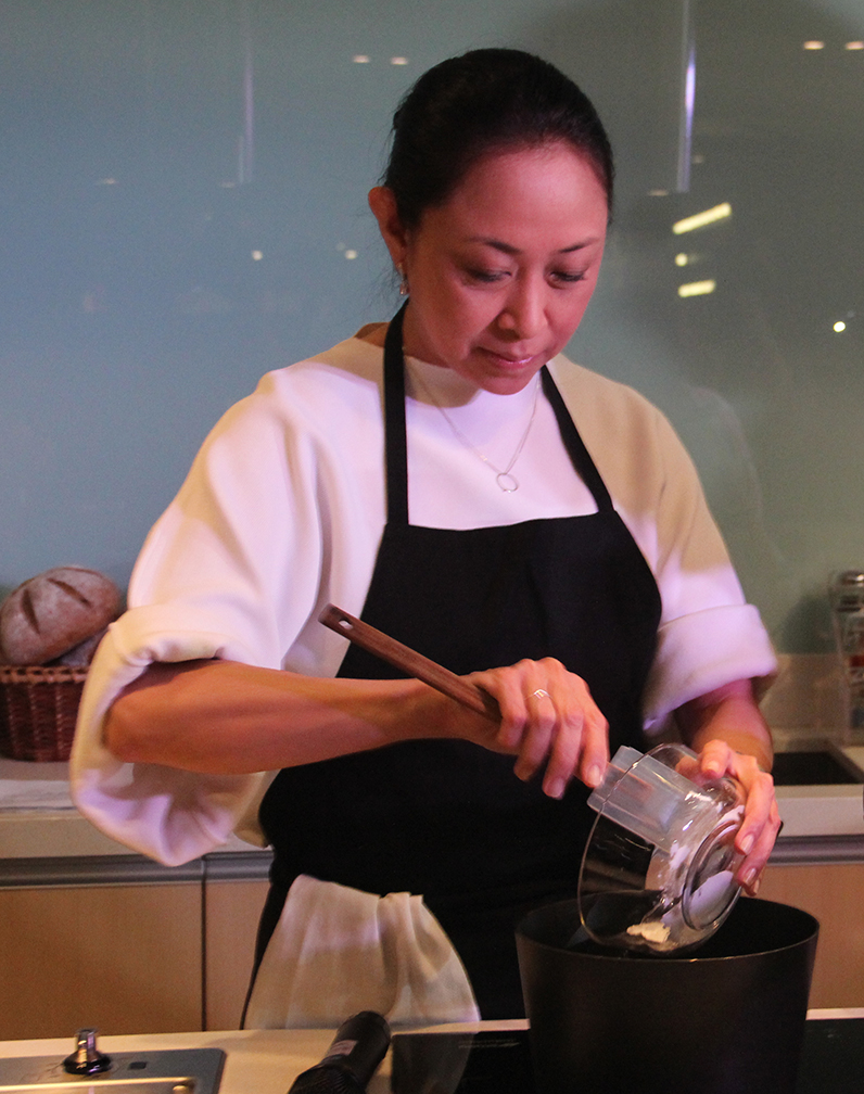 During the cooking demo, Chef Heny Sison worked on the custard filling for the Brazo de Mais