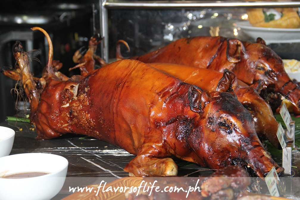 Lechon at the carving station