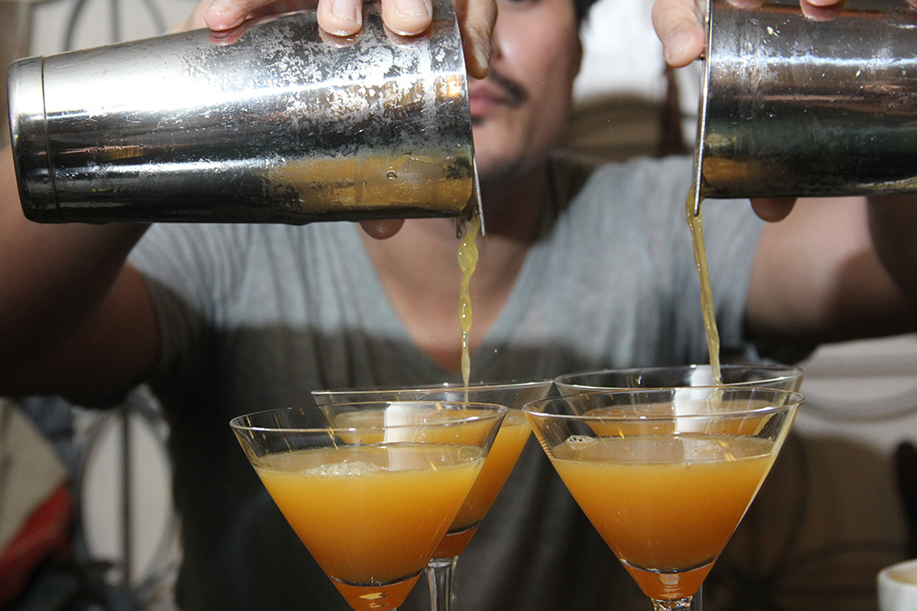Top mixologist Enzo Lim shakes up a special cocktail drink called 'Dona Sol'