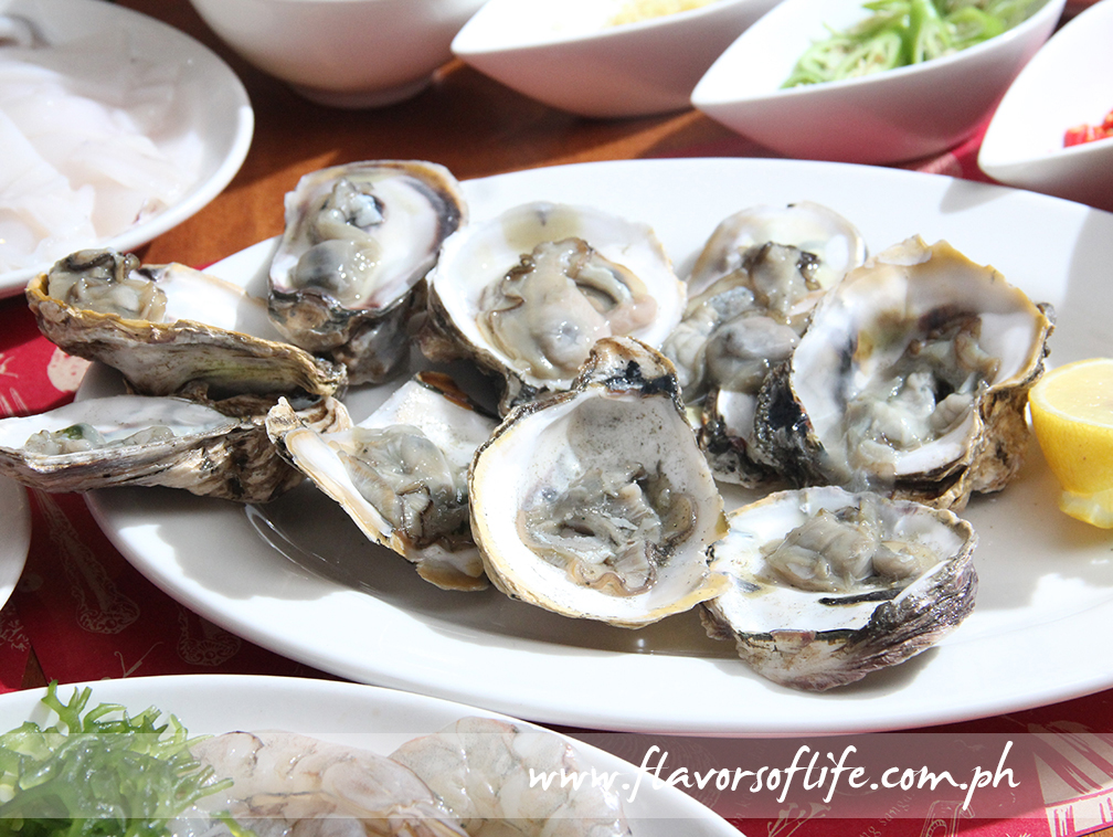 Fresh oysters for the 'Kinilaw'