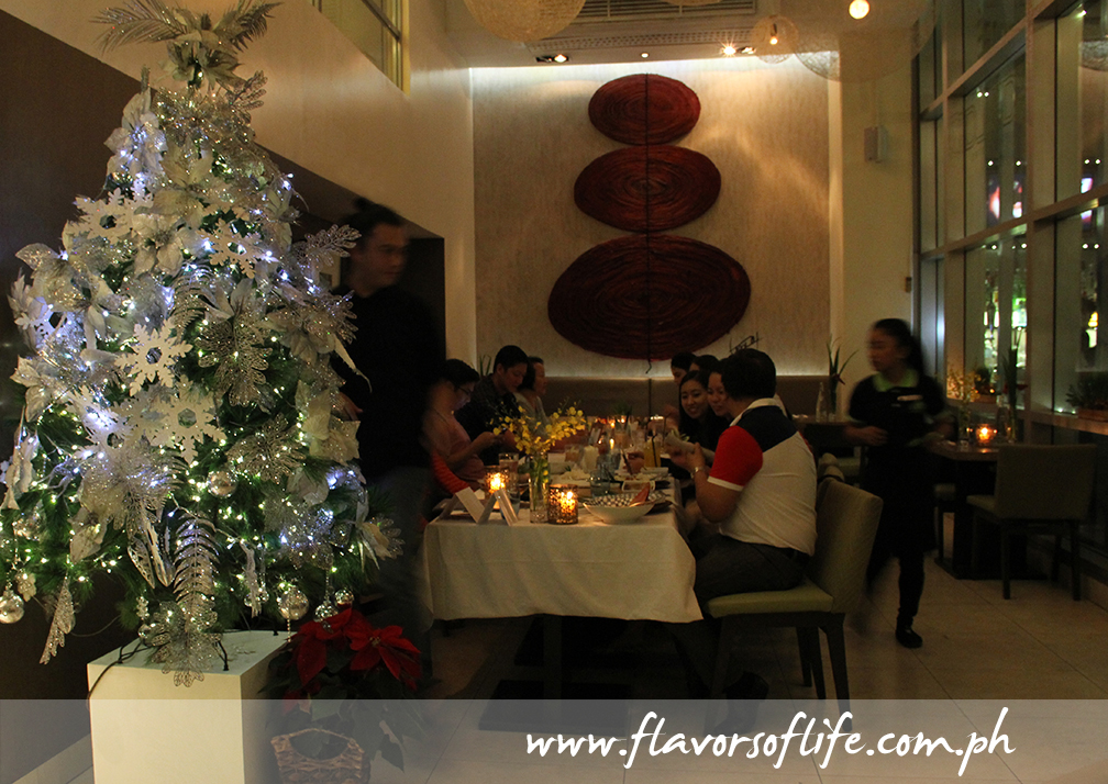 Christmas dining in cozy comfort