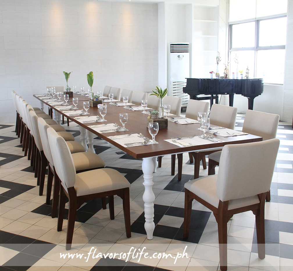 Casual dining set-up at Sisterfields