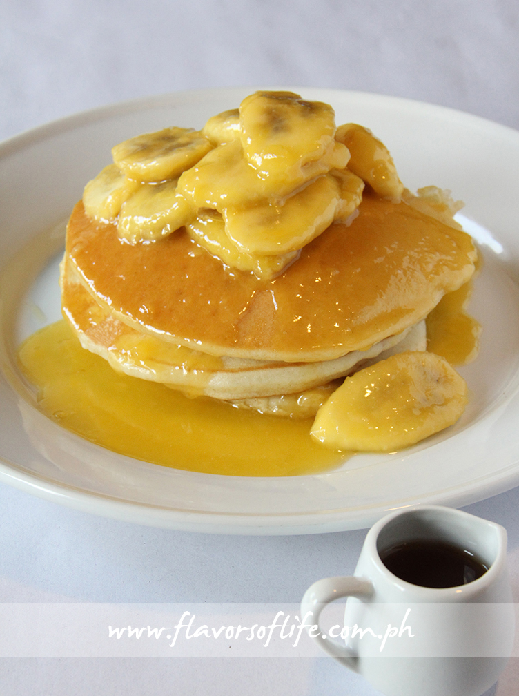 Fluffy Pancakes with Butterscotch and Banana