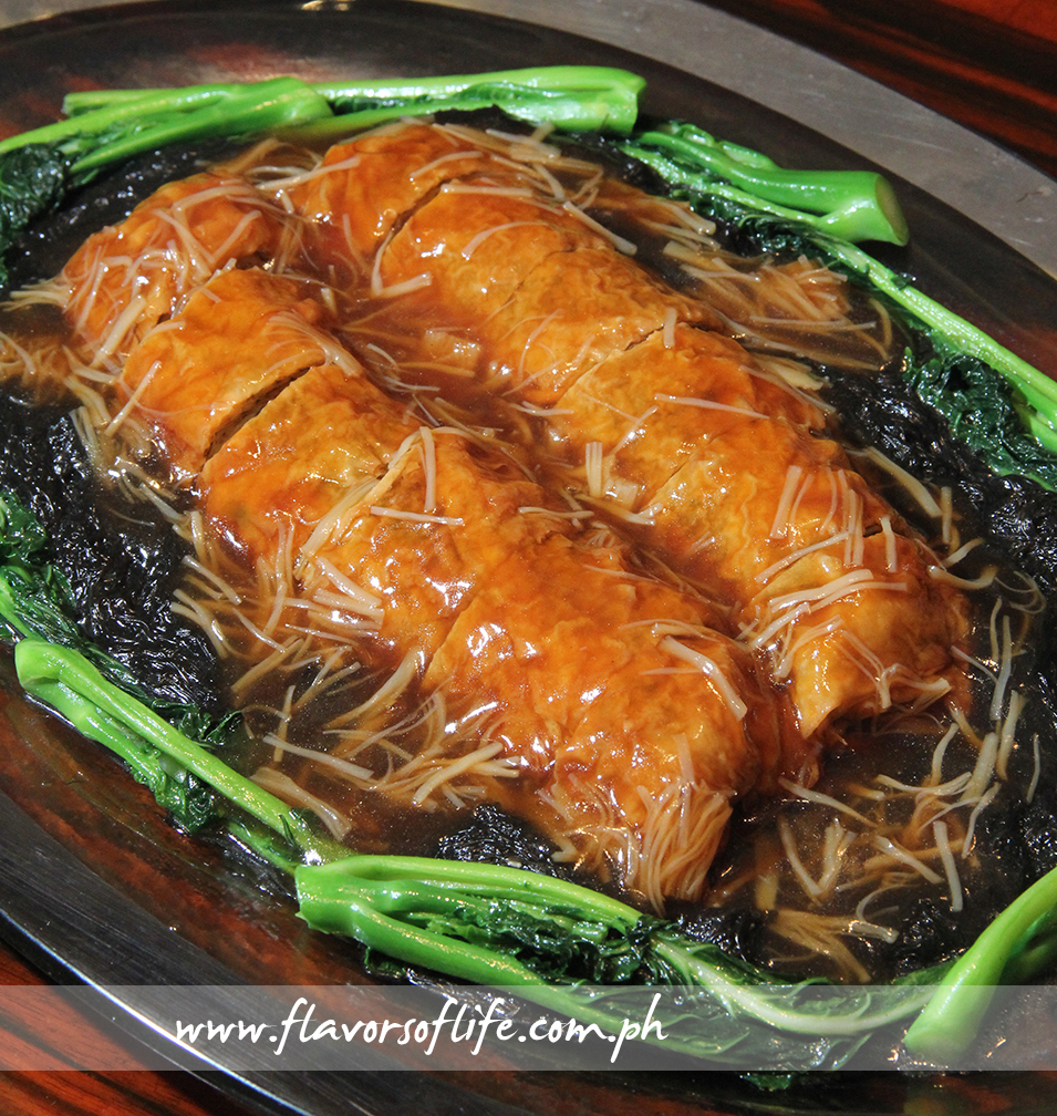 Bean Curd Sheet Rolls with Vegetables in Dried Scallop Sauce