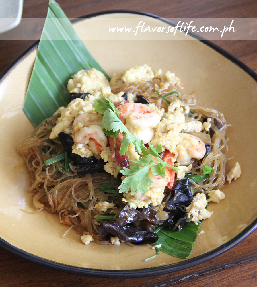 Goong Phad Woonsen (Stir-fried Glass Noodles with Shrimps)