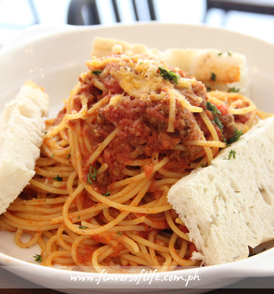 'Pasta Bolognese' is a classic Italian meat and tomato sauce based pasta