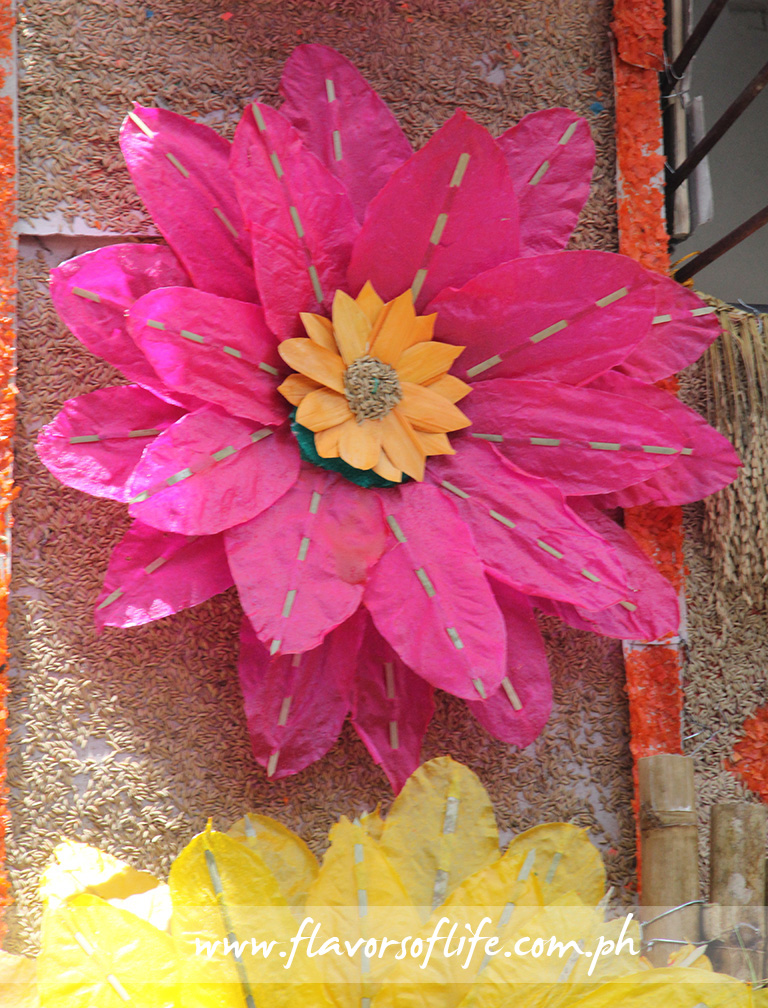 Giant flowers made of kipings (rice wafers)