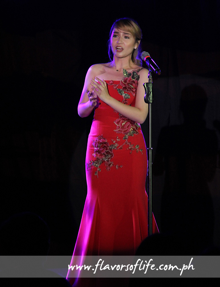 Gerphil Flores in a solo performance