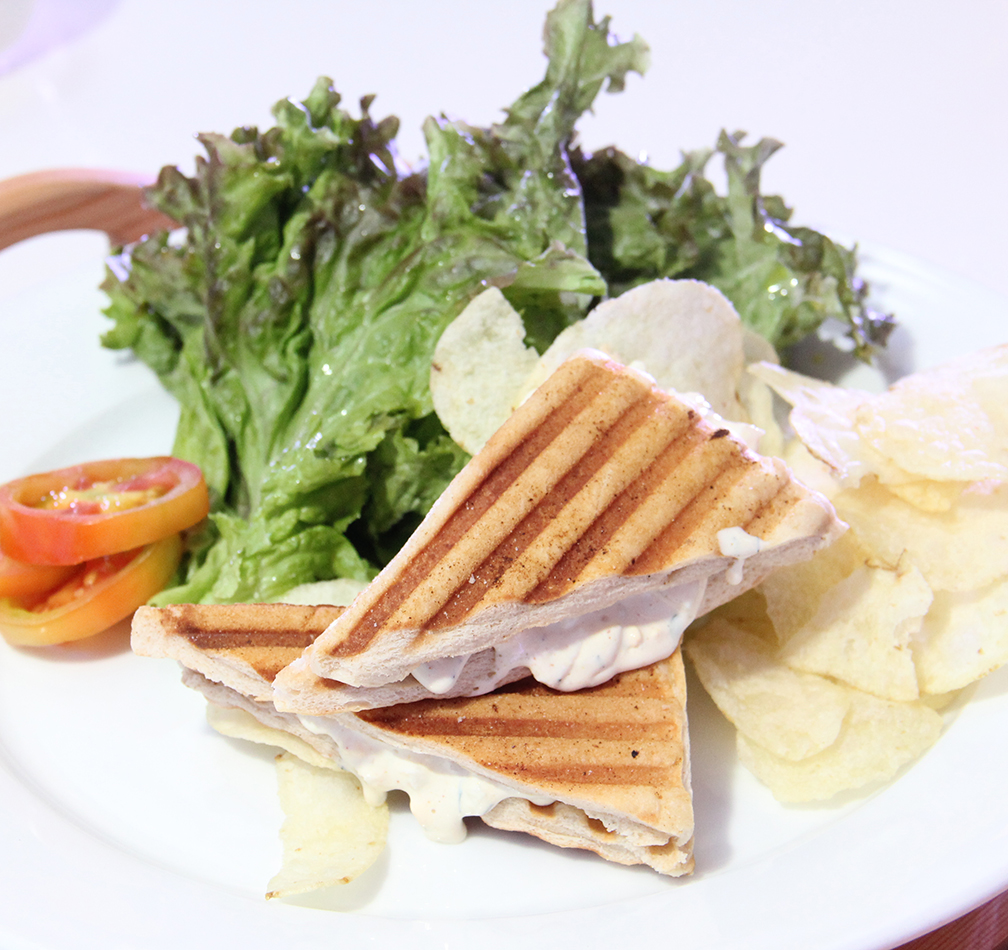 Chef Gino Gonzalez's Arla Cheesy Spread Pandenini