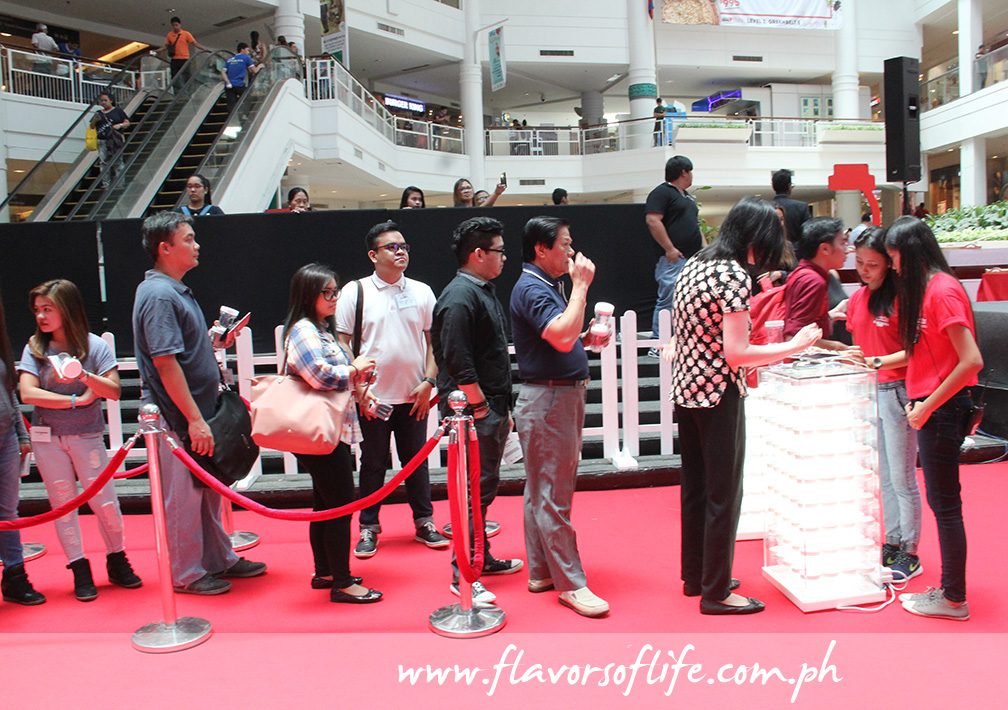 Lining up at the Glorietta Activity Center last May to have a personalized jar of Nutella made