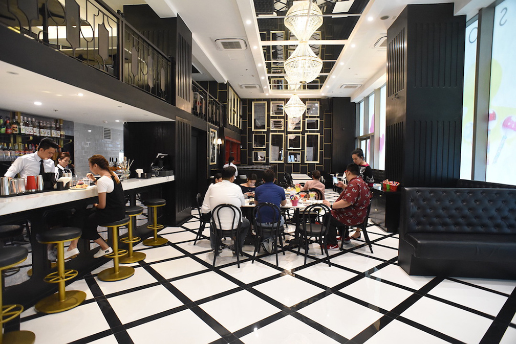 The dining area at Sugar Factory