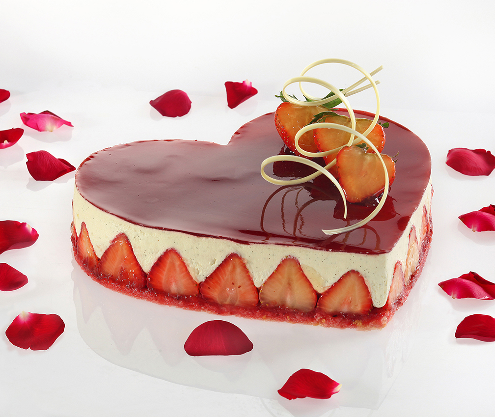 Heart-shaped Cheesecake at the Lobby Lounge