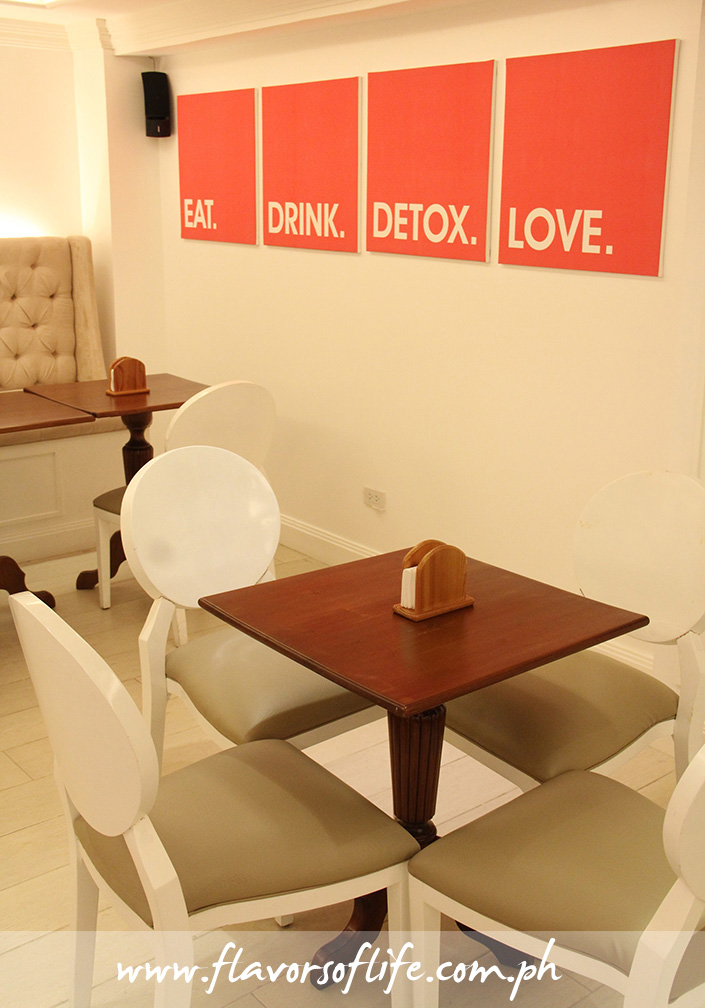 The cool ambiance and simple interiors of Detoxify Bar has a relaxing effect