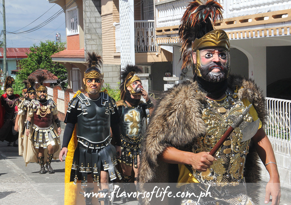 Every day, for the entire duration of the Moriones Festival, morions take to the streets in mini street parades