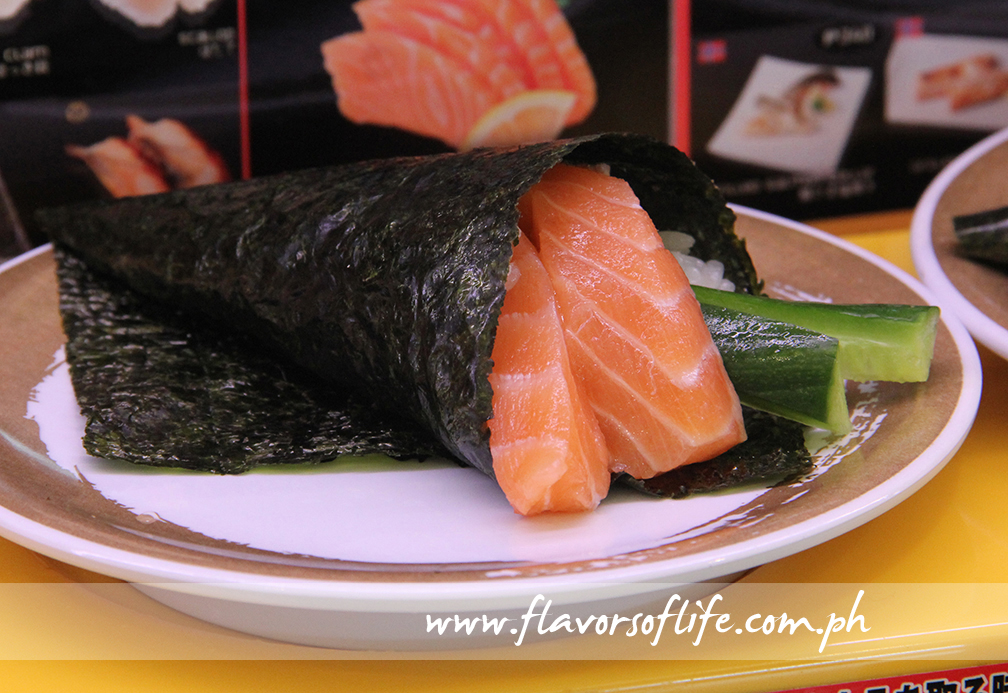 Salmon and Cucumber Handroll