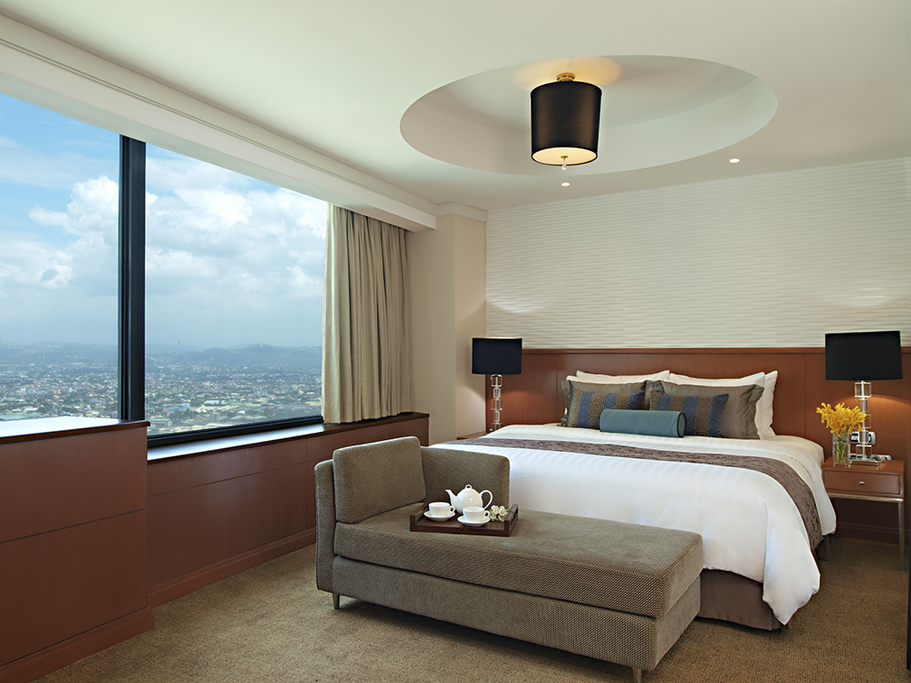 Eastwood Richmonde Hotel's Deluxe Room with King sized Bed