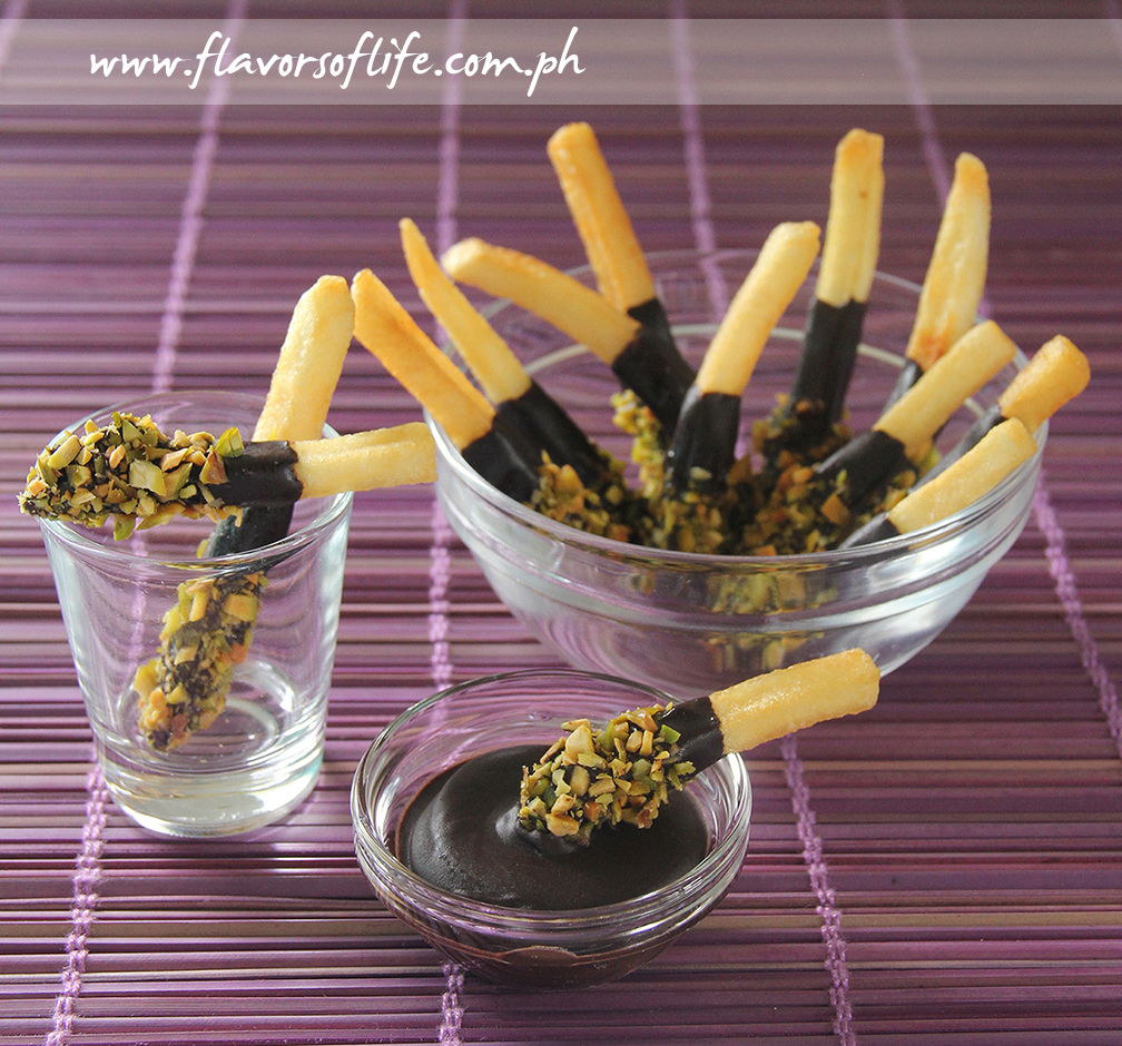 Chocolate-dipped Potato Fries with Pistachio     (Photo by Rafael R. Zulueta)
