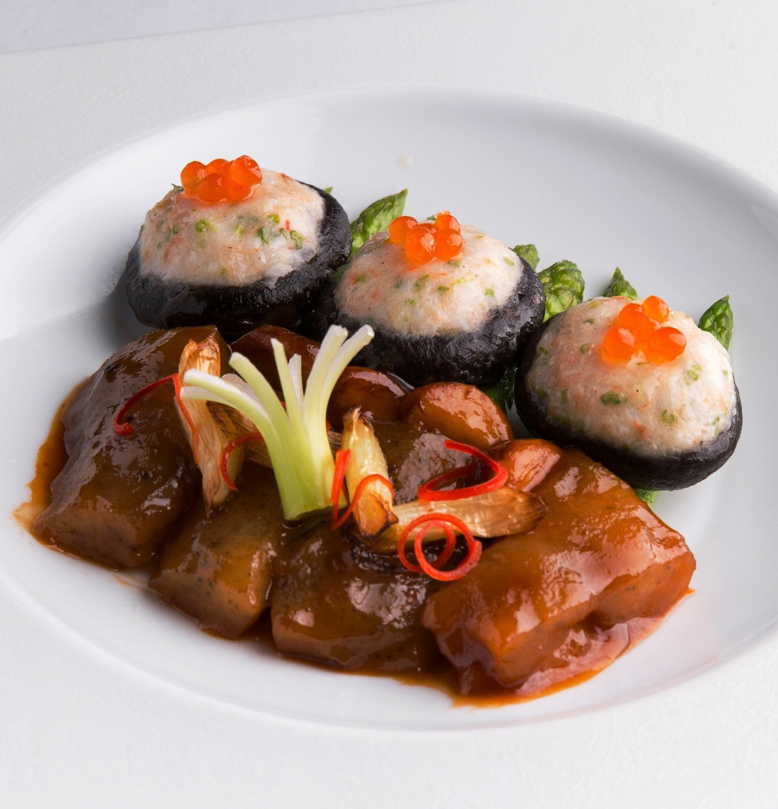 Braised Stuffed Black Mushroom with Sea Cucumber in Supreme Oyster Sauce