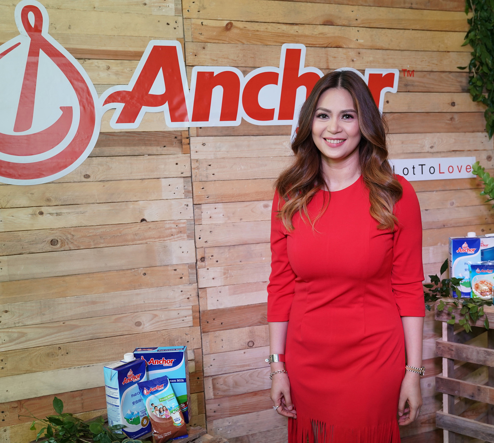 Actress and celebrity mom blogger Sherilyn Tan